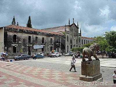 plaza-leon-nicaragua-18597375