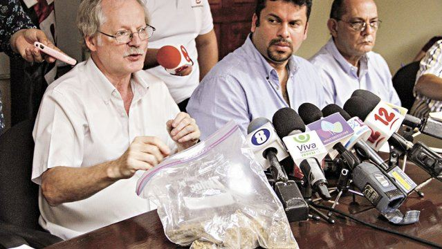 Wilfried Strauch, scientific advisor to the Instituto Nicaragüense de Estudios Territoriales (INETER) during a news conference