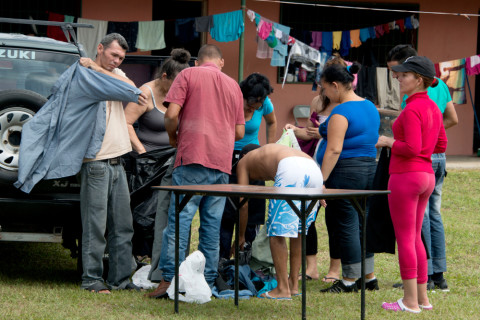 More than 3,000 Cuban migrants remain stranded on the Costa Rica side of the Peñas Blancas border
