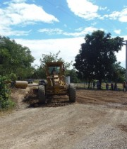The first infrastructure works for the Nicaragua canal began in the rural area of Brito in Rivas department, 112 km south of Managua, in December 2014, with reparations of dirt roads for land transport. But since then, the infrastructure works have come to a standstill. Credit: Ramón Villareal/IPS