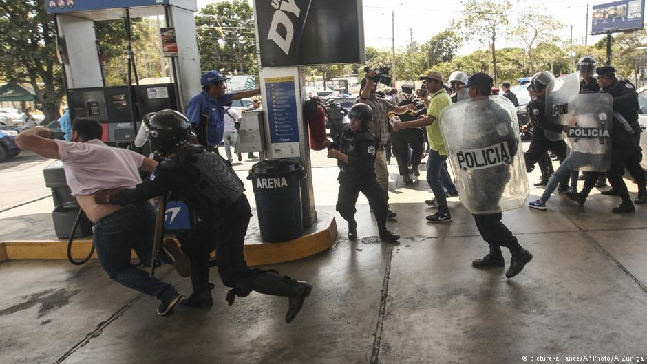 Nicaragua police detain over 100 would–be protesters